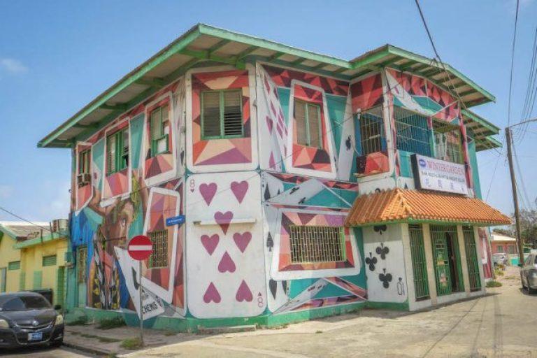 Aruba vakantie ABC Islands San Nicolas street art kaartenhuis
