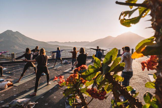 Sunrise Yoga Batur vulkaan Oneworld retraites