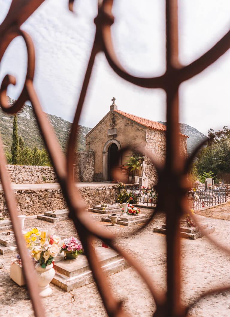 Crkva Svetog Kuzme i Damjana begraafplaats