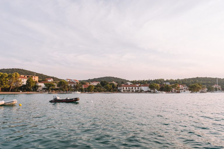 Loviste Peljesac Kroatië Dalmatië