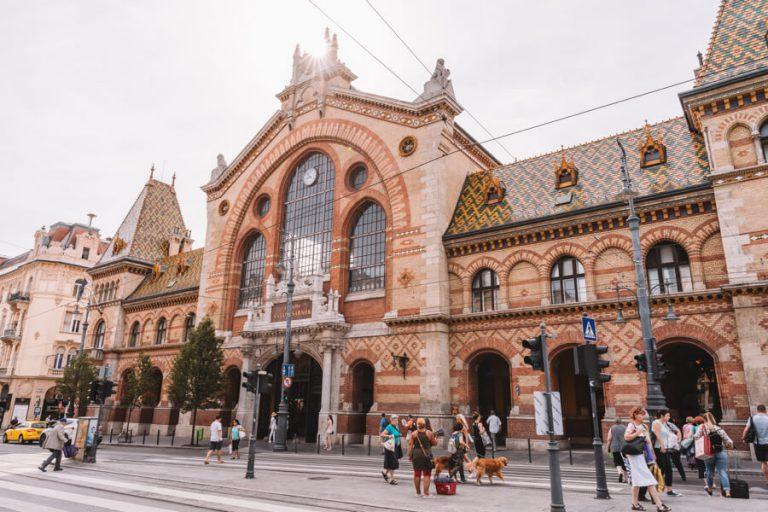 Budapest bezienswaardigheden Great Market Hall gebouw