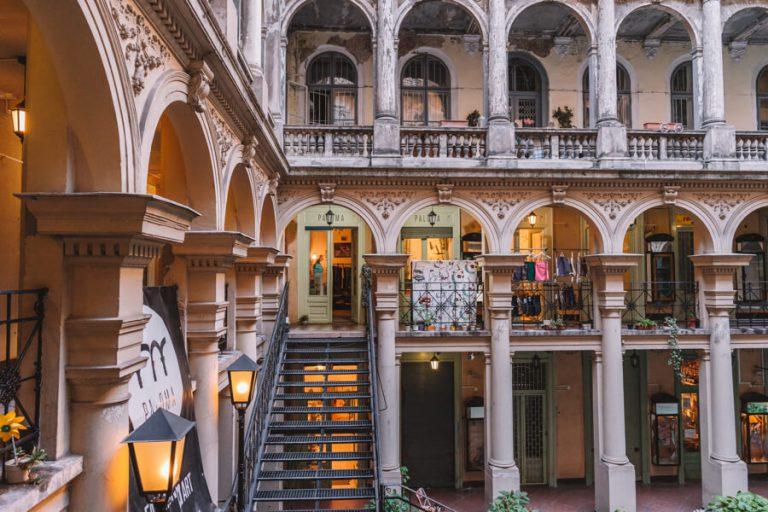 Paloma Budapest Vintage Shopping