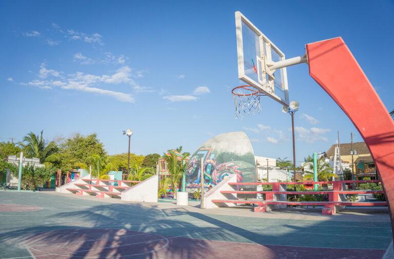 Downtown Holbox basketbalveld