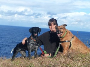 woman teaching dogs to leave it due to dog poisoning on northern beaches