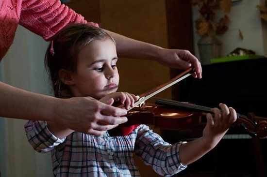 music programs that will build your brain, good parenting brighter children, benefits of music education in schools, value of music education, music education and the brain