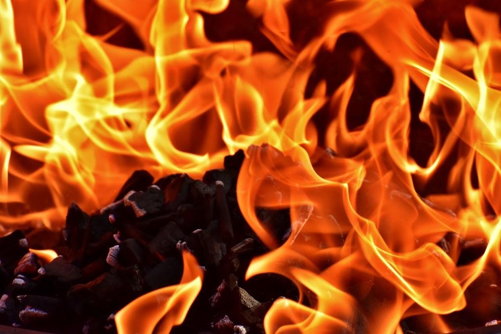 fire-3478889_1280