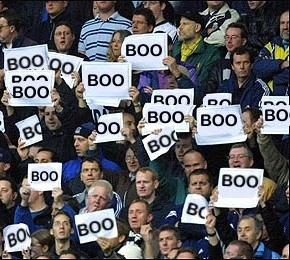booing