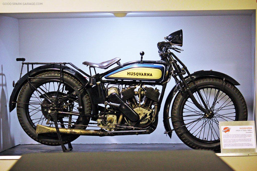 moto-museum-stlouis-husqvarna-motorcycle