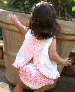 ruffle butts swing top