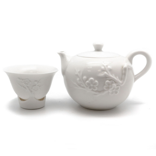 Набор для чаепитий «Снежная слива» (чайник, 4 пиалы)