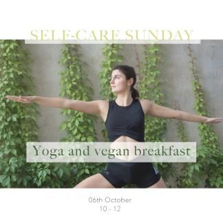Yoga and vegan breakfast