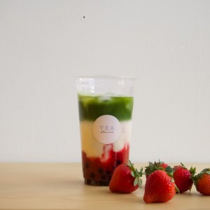 matcha strawberry bubble tea