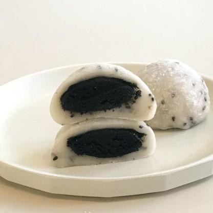 black sesame mochi