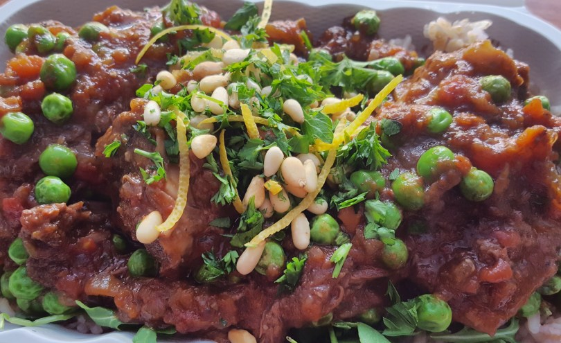 Highlander grass-fed beef* short ribs fromNectar Hills Farmare slow cooked in a slightly spicy-tangy Italian tomato and red wine sauce, topped with a pine nut gremolata, and served on volcano rice*–a mineral-packedblend of traditional aromatic West Java rices grown onvolcanicsoils rich in magnesium, manganese, and zinc–or a smashed russet potato.*
