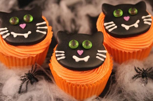 Vampire Cat Cupcakes Recipe Goodtoknow
