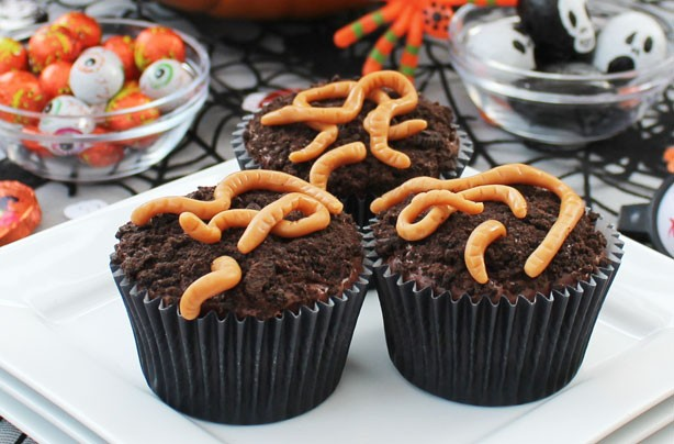 Worm Cupcakes. Source : Good to Know