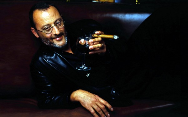 actor-jean-reno-with-cigar-and-a-glass-of-wine-600x375