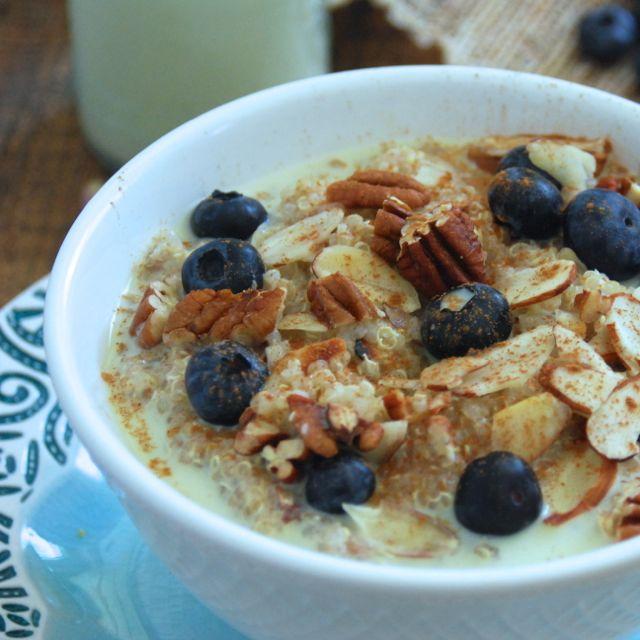 Blueberry Quinoa Breakfast Bowl
