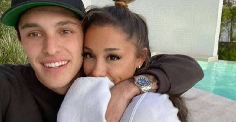 Singer Ariana Grande tied the knot