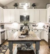 44 Best Farmhouse Kitchen Cabinets Design Ideas And Decor (11)