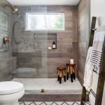 44 Suprising Farmhouse Bathroom Shower Decor Ideas And Remodel (4)