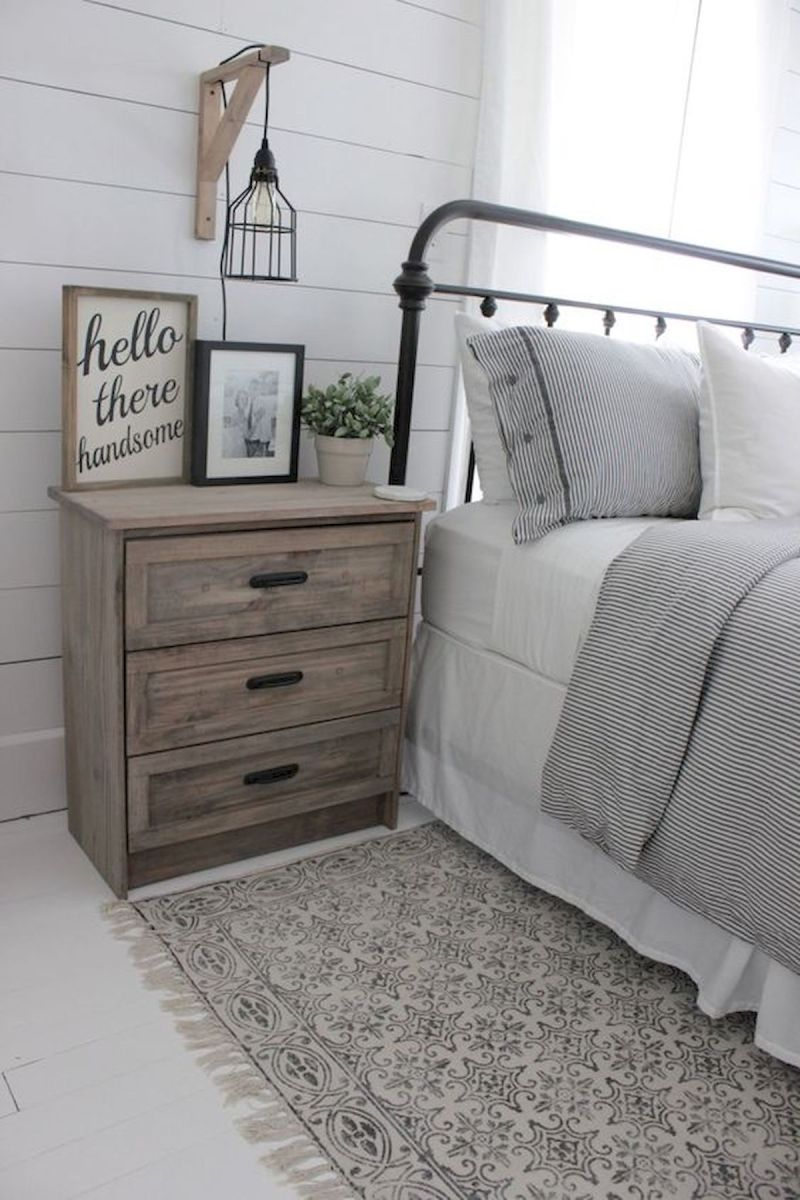 50 Awesome Farmhouse Bedroom Decor Ideas And Remodel (2)
