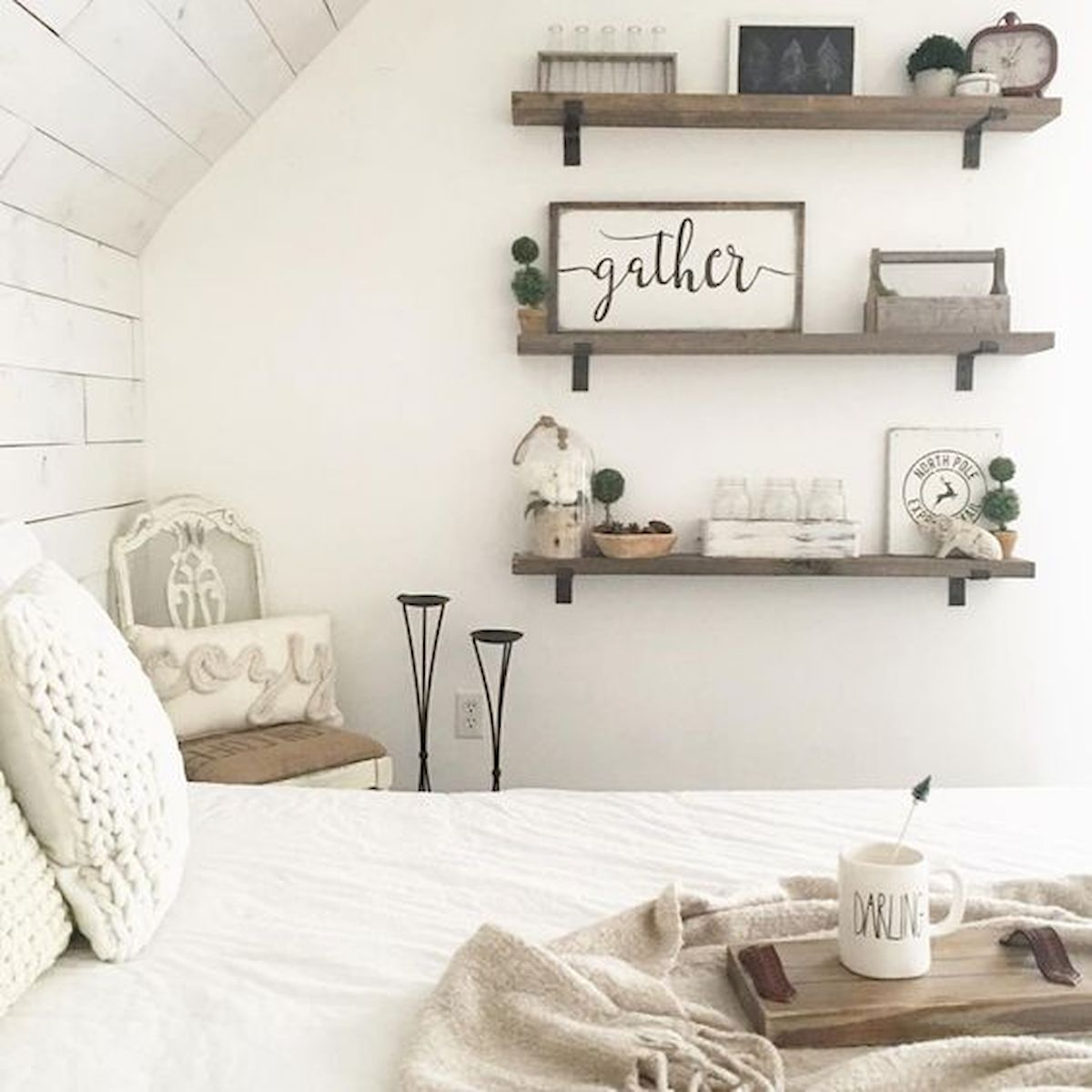 50 Awesome Farmhouse Bedroom Decor Ideas And Remodel (29)