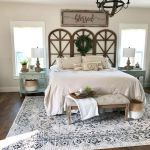 50 Awesome Farmhouse Bedroom Decor Ideas And Remodel (48)