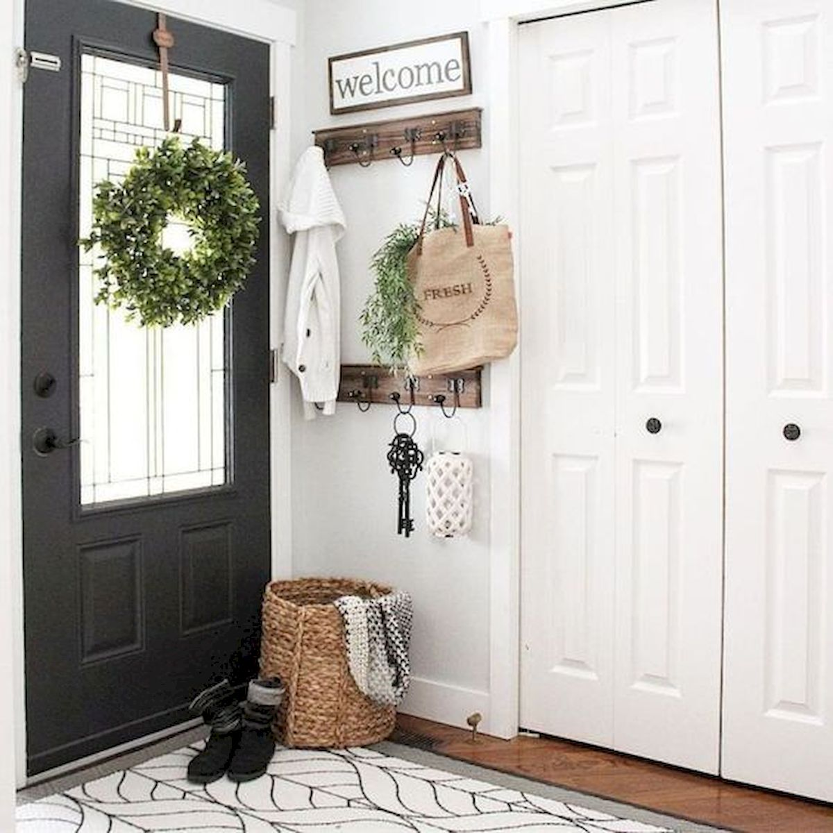 50 Best Farmhouse Entryway Design Ideas You Must Try In 2019 (14)