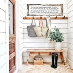 50 Best Farmhouse Entryway Design Ideas You Must Try In 2019 (29)