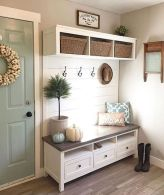 50 Stunning Farmhouse Mudroom Decor Ideas And Remodel (30)