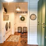 50 Stunning Farmhouse Mudroom Decor Ideas And Remodel (46)