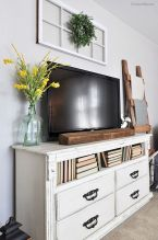 60 Beautiful Farmhouse TV Stand Design Ideas And Decor (14)