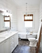 66 Adorable Farmhouse Bathroom Decor Ideas And Remodel (2)