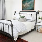 69 Best Farmhouse Bedding Decor Ideas And Remodel (16)