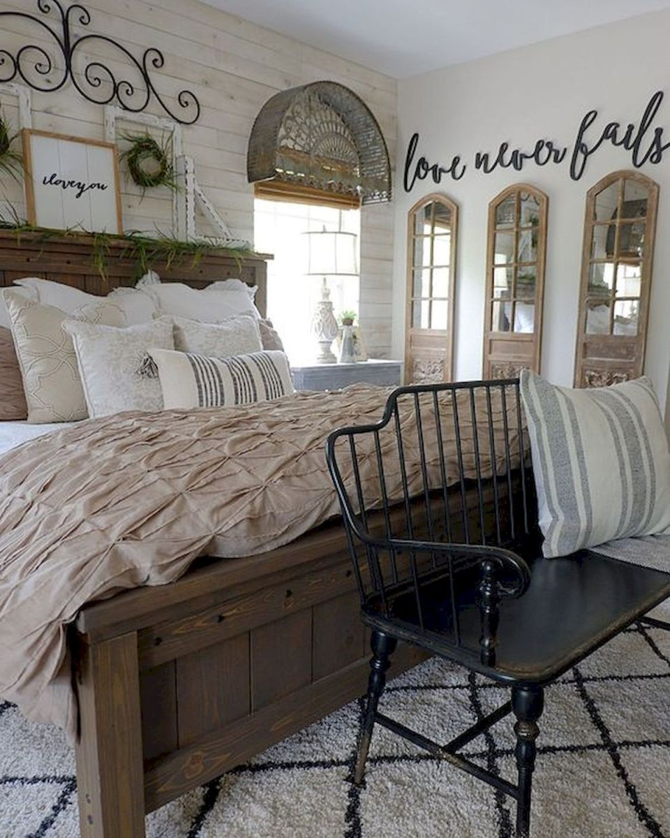 69 Best Farmhouse Bedding Decor Ideas And Remodel (52)