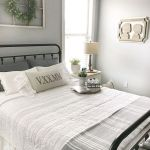 69 Best Farmhouse Bedding Decor Ideas And Remodel (63)