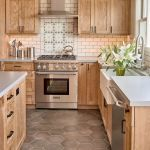77 Best Farmhouse Kitchen Decor Ideas And Remodel (63)