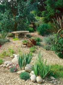 70 Magical Side Yard And Backyard Gravel Garden Design Ideas (38)