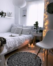 47 Wonderful Small Apartment Bedroom Design Ideas and Decor (40)