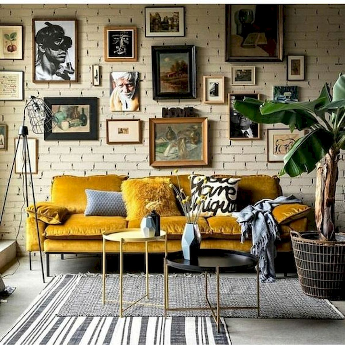73 Eclectic Living Room Decor Ideas (12)