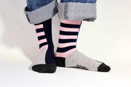 goomo.shop_navy and pink stripes adult merino socks