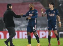 Arteta backs Lacazette despite keeping him benched