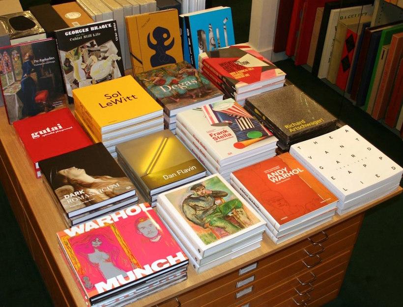 Ursus Books