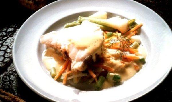 Простой Рецепт жареной рыбы с салатом из зеленой фасоли ...