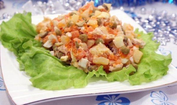 Простой Рецепт салата «Оливье» с курицей и икорной ...