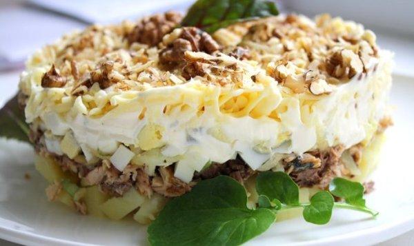 Простой Рецепт салата «Мильфей» из рыбы и картофеля ...