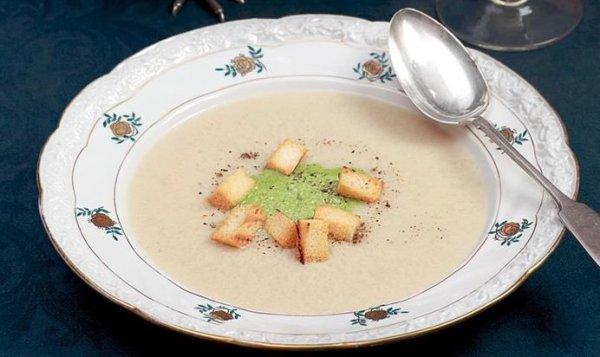 Простой Рецепт суп-пюре из цесарки с зеленой заправкой ...