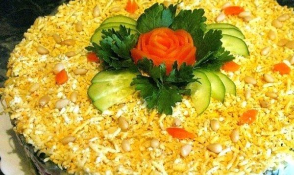 Простой Рецепт салата с курицей, яблоком, черносливом и ...