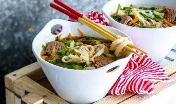 Простой Рецепт вьетнамского супа с говядиной и лапшой ...